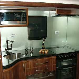 kitchen_endeavour_motorhome