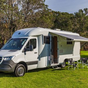 origin-motorhome-exterior_with-canopy
