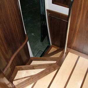 stairs_endeavour_motorhome